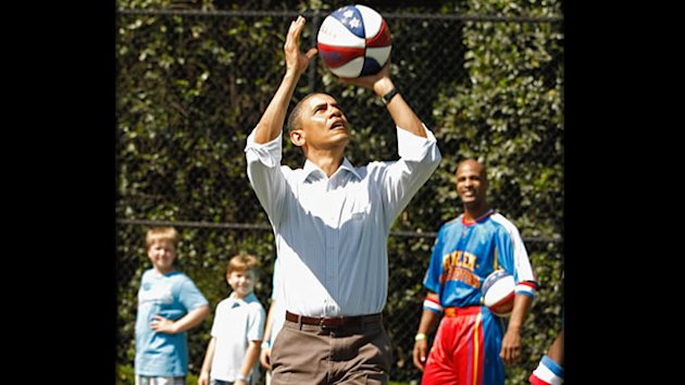 Obama Shoots Hoops with George Clooney