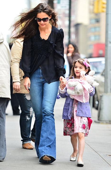Katie Holmes, Suri Cruise Go Shopping For Home Goods in NYC