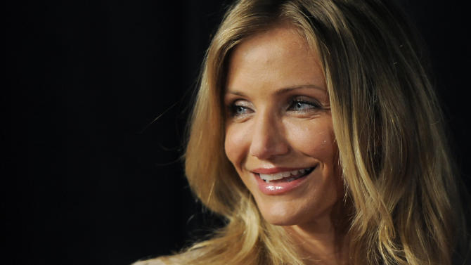 Actress Cameron Diaz, recipient of CinemaCon's Female Star of the Year award, arrives at CinemaCon 2011, Wednesday, March 30, 2011, in Las Vegas. (AP Photo/Chris Pizzello)