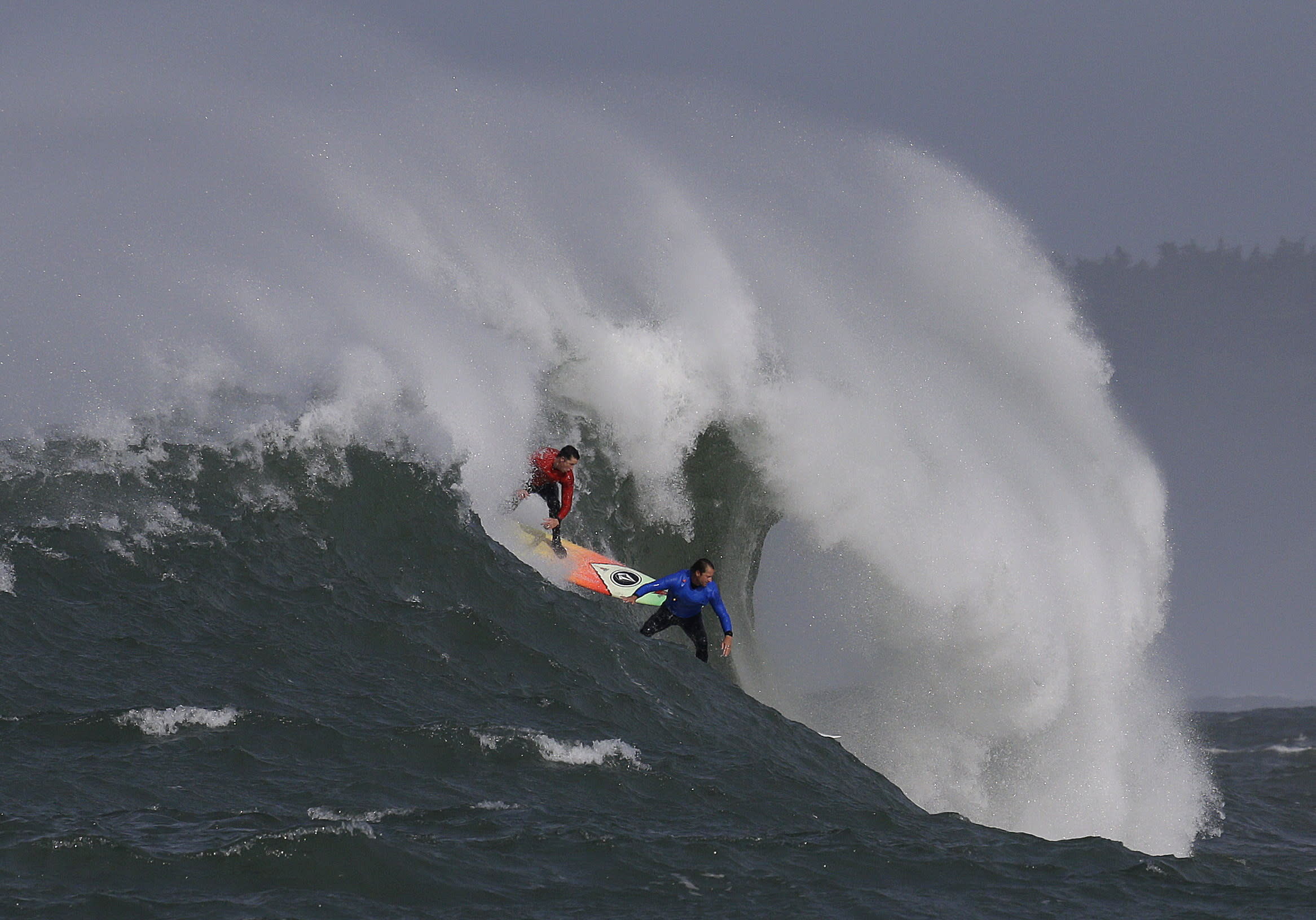 Northern California big-wave surf competition gets underway
