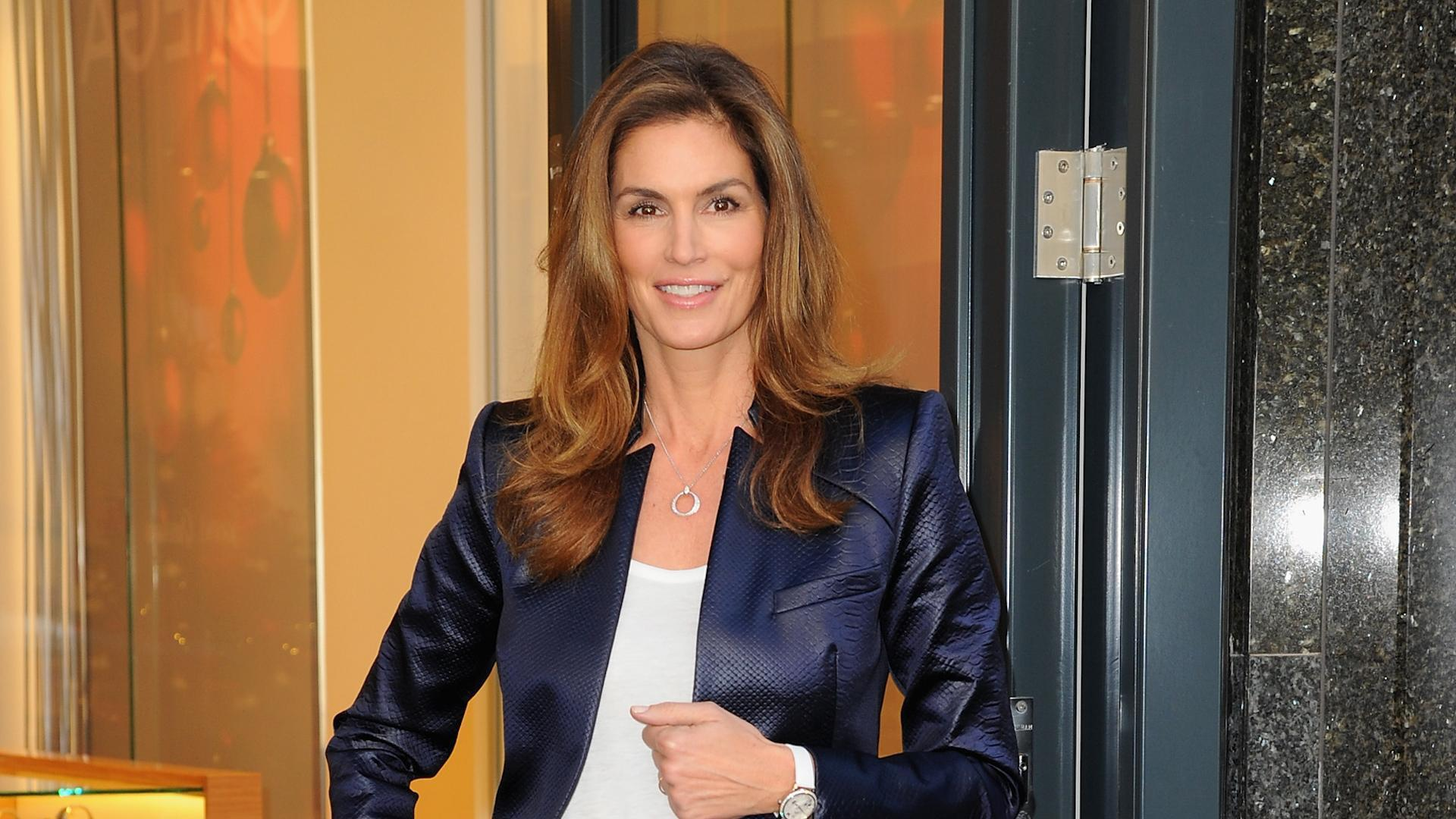Cindy Crawford Says Ex-Husband Richard Gere Is 'Like a Stranger' to Her