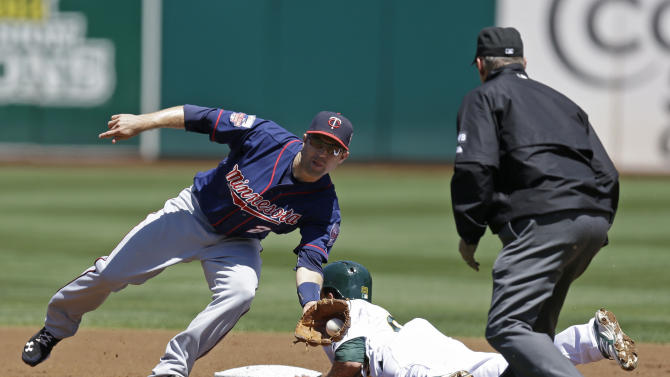 Twins beat A's 6-1, snap 12-game skid vs. Oakland