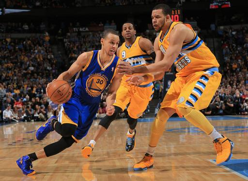 Curry leads Warriors past Nuggets 131-117