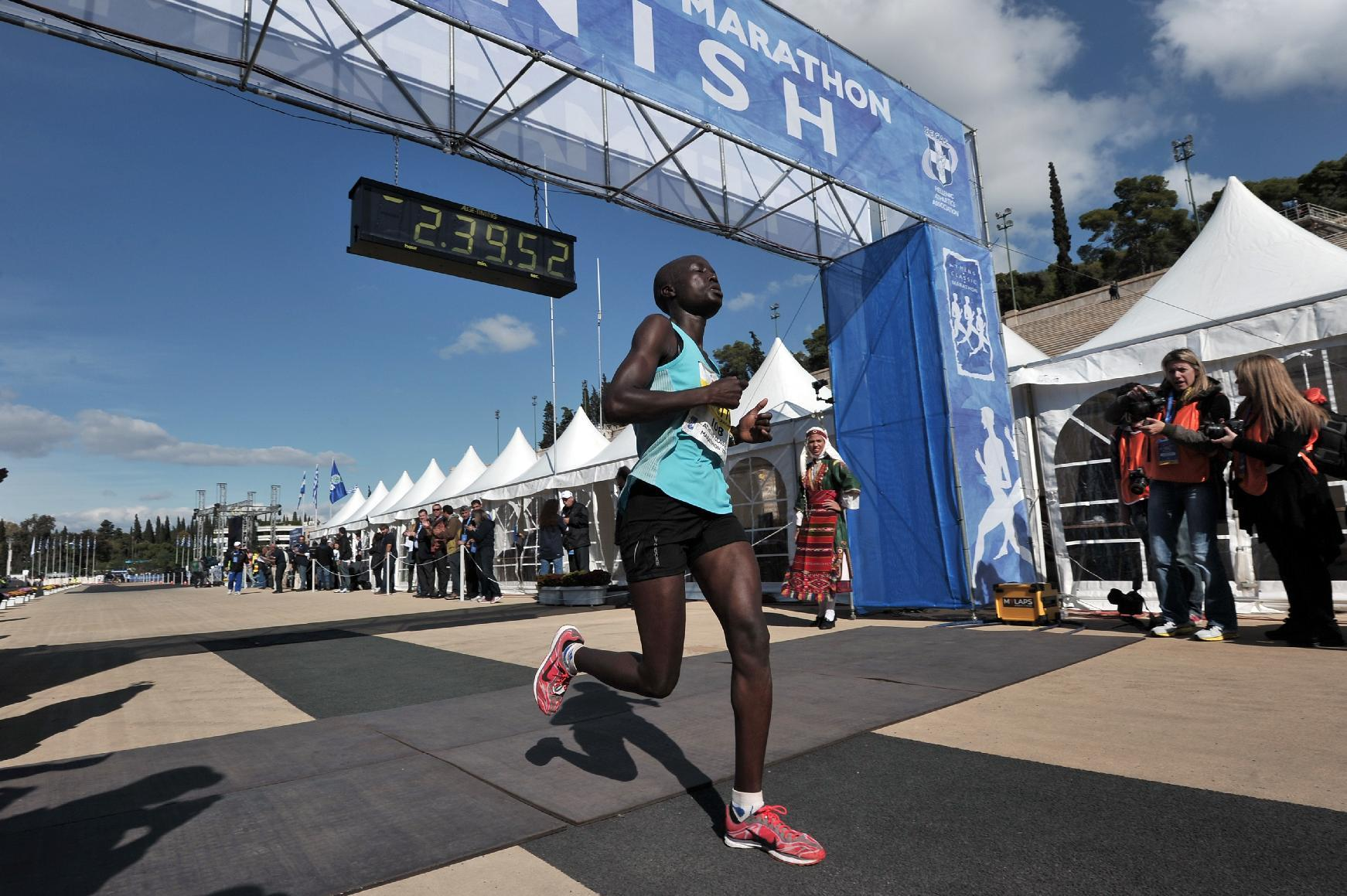Two Kenyan runners banned for doping