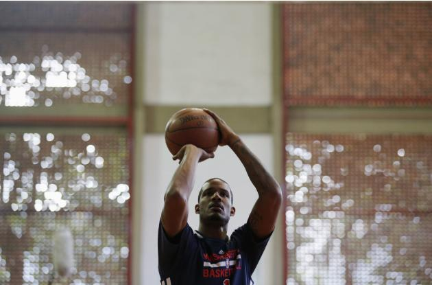 Washington Wizards' Ariza attends a practice ahead of NBA Global Games Rio 2013 in Rio de Janeiro
