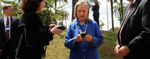 Report: Hillary Clinton also used iPad for email