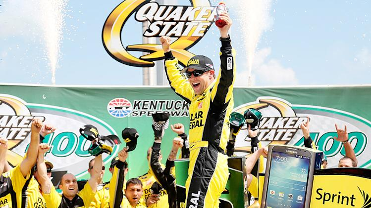 Kenseth wins action-packed Quaker State 400