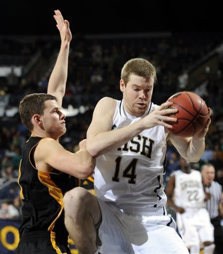Cooley leads No. 22 Notre Dame past Kennesaw State
