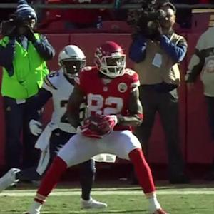 Kansas City Chiefs wide receive Bowe fumbles, Kelce recovers for an 11-yard touchdown