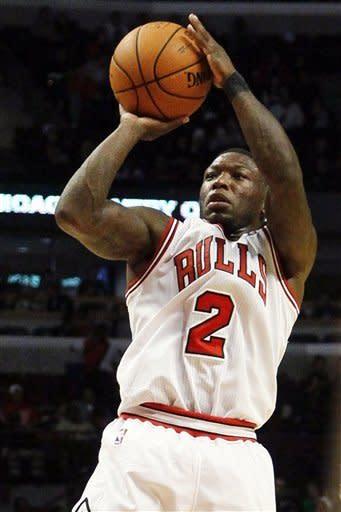 Robinson, Hamilton lead Bulls past Bucks, 100-94