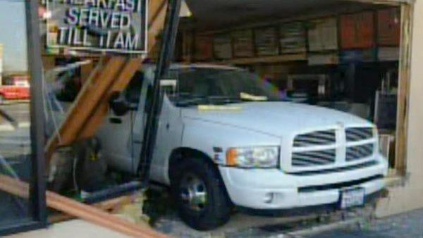 Unlicensed driver crashes into Hanford Subway sandwich shop