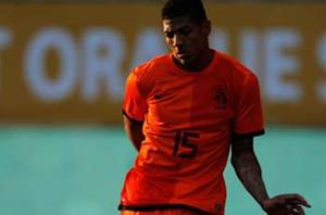 Van Aanholt drafted into Netherlands squad