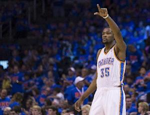 LeBron James: Durant deserves to win NBA MVP award