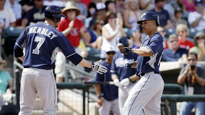 Padres already behind Dodgers, with a pitcher hurt