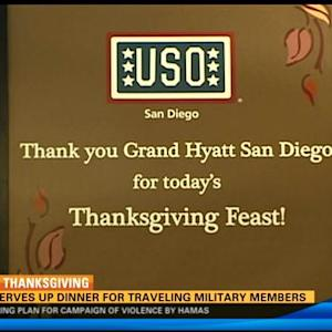 USO serves up dinner for traveling military members