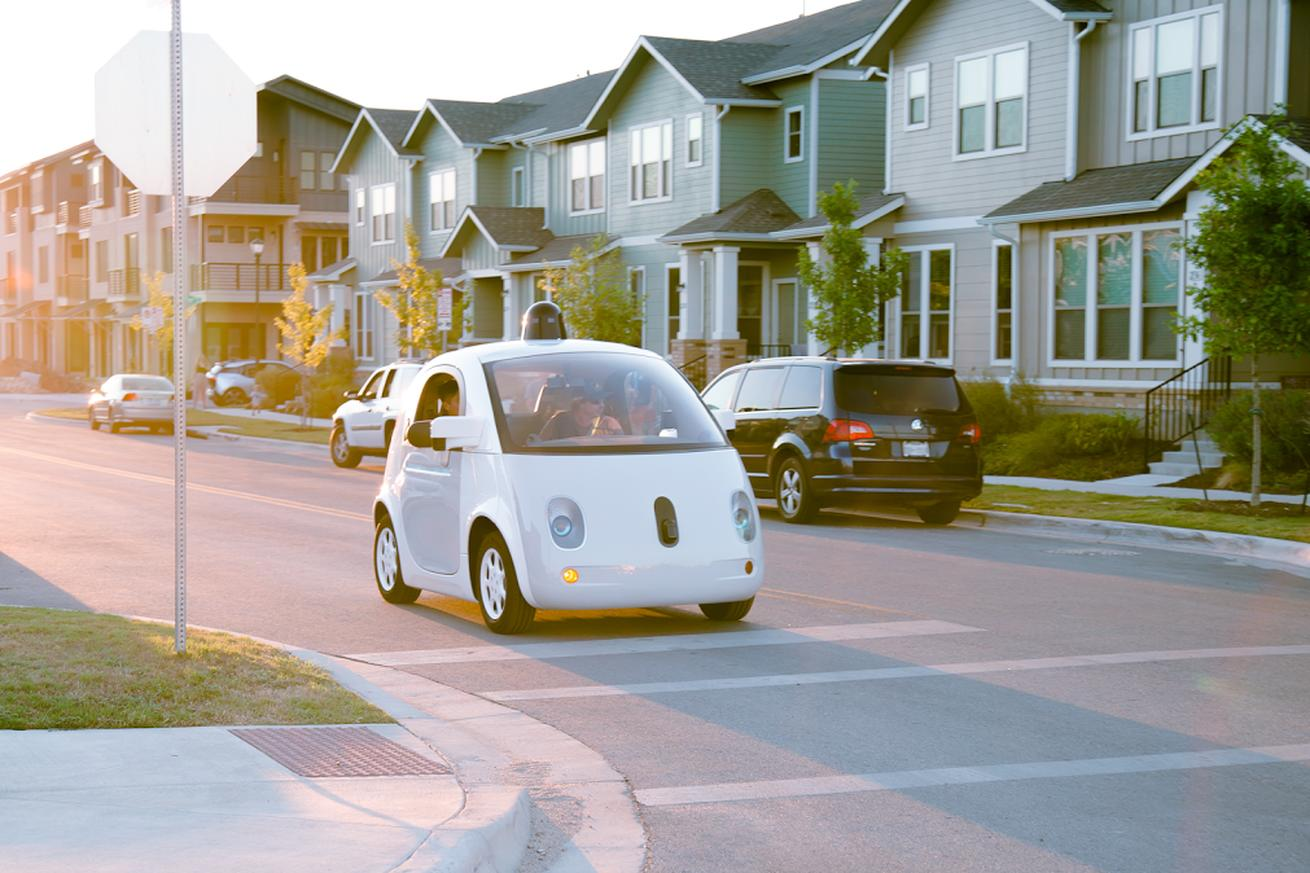 The computer in Google's self-driving car can be considered the driver, US says