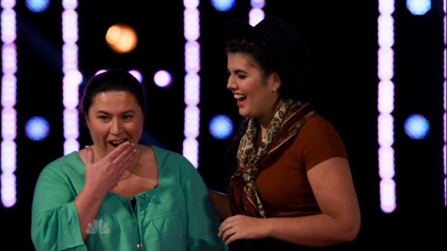 'Voice' Contestant Brings Family to Tears