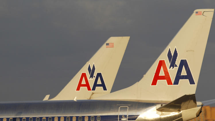 American Airlines' parent earns $289 million in 3Q