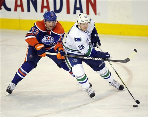 Canucks beat Oilers 5-2