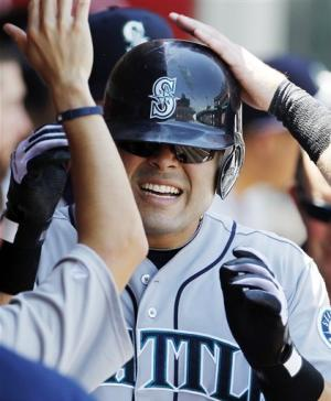 Montero tags Weaver for 2 HRs, Mariners top Angels
