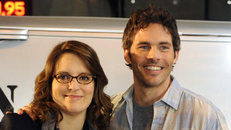 "This undated image released by NBC shows James Marsden as Criss, right, and Tina Fey as Liz Lemon in a scene from ""30 Rock.""  The characters will wed on the ""30 Rock"" episode that airs Nov. 29. (AP Photo/NBC, Ali Goldstein)"