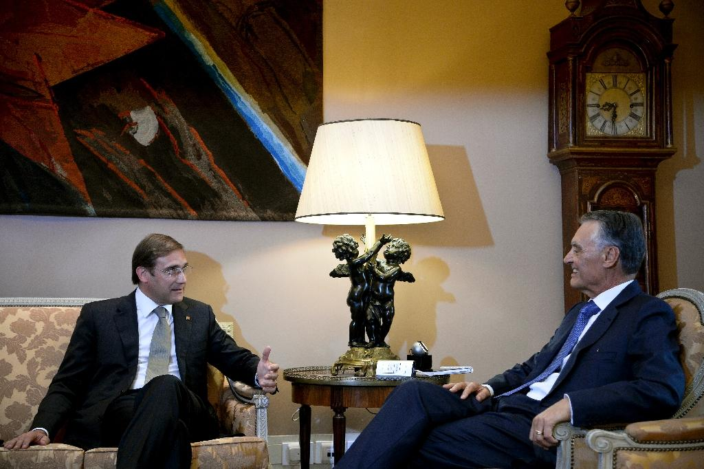 Portugal's Passos Coelho tasked with forming new government