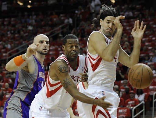Gortat, Nash lead Suns to key win in Houston