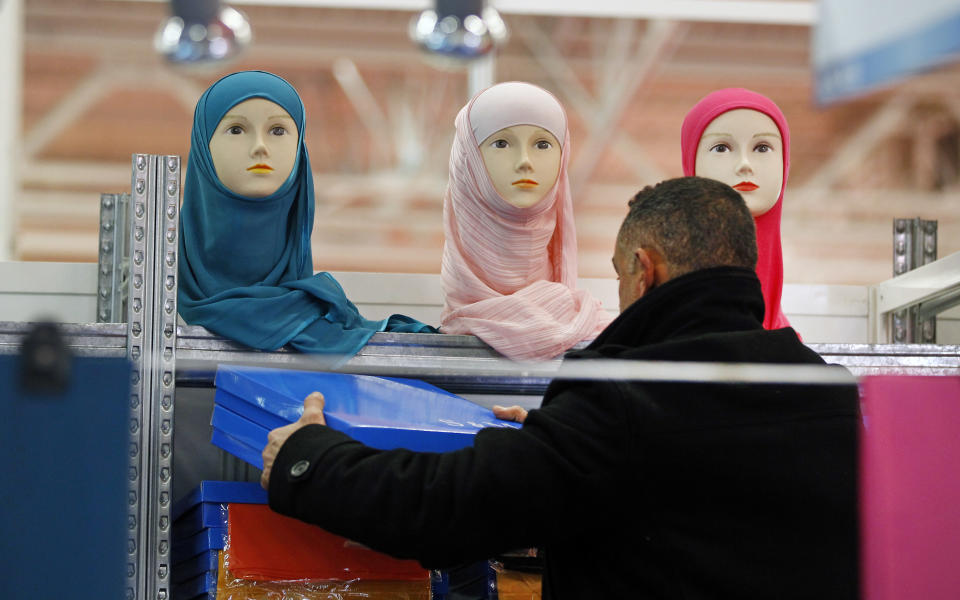 Muslims worry about broader France headscarf ban