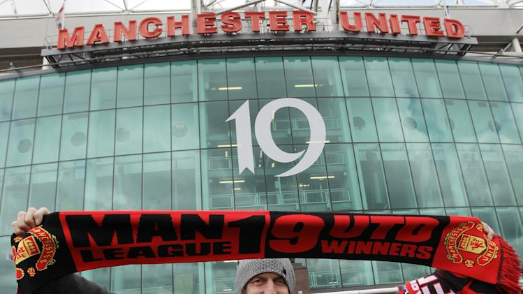 Manchester United lines up stock market debut