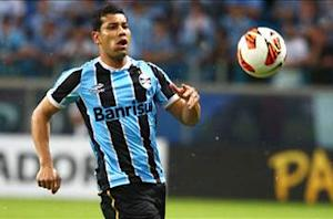 Arsenal fullback Santos wanted Gremio stay
