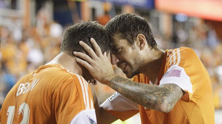 Dynamo hold on for 1-0 win over Columbus