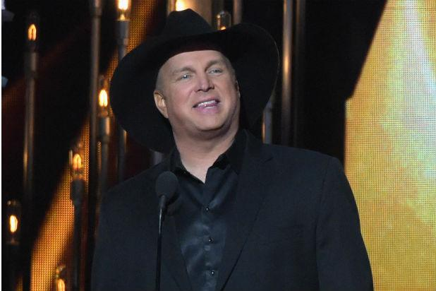 Garth Brooks Clarifies Why He Won't Play Trump Inauguration