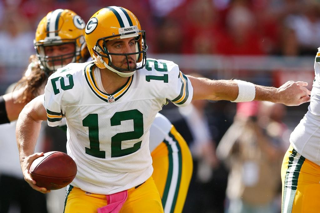 Aaron Rodgers powers Packers past struggling 49ers