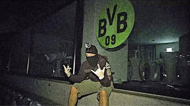 Borussia Dortmund fans break into Bayerns stadium, plaster their crest in the VIP box