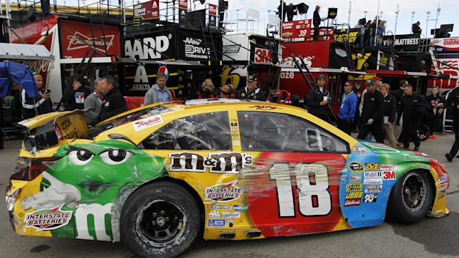 Chase contender Kyle Busch crashes in practice
