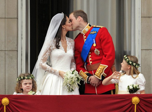 Will Kate weddingkisses
