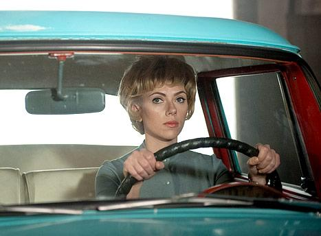 Wow! See Scarlett Johansson Transform into Janet Leigh on the Set of Hitchcock