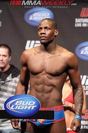 Amir Sadollah Out, Nah-Shon Burrell In Against Stephen Thompson at UFC 160