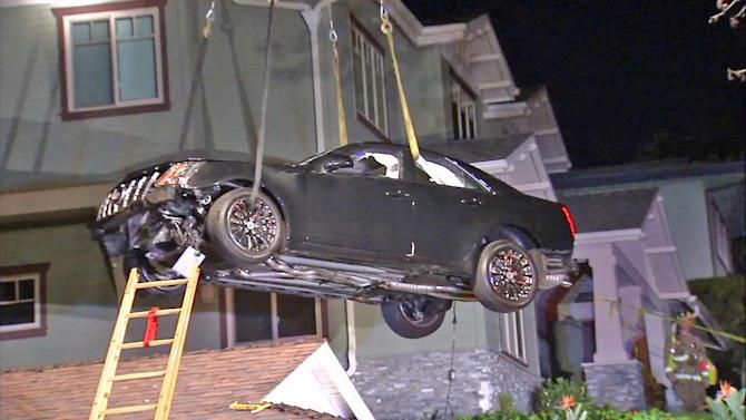 Car lands on roof in Glendale after driver loses control; no one hurt