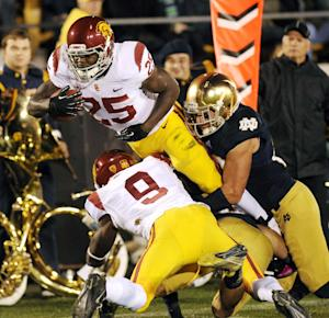 USC can't overcome errors in 14-10 loss to Irish