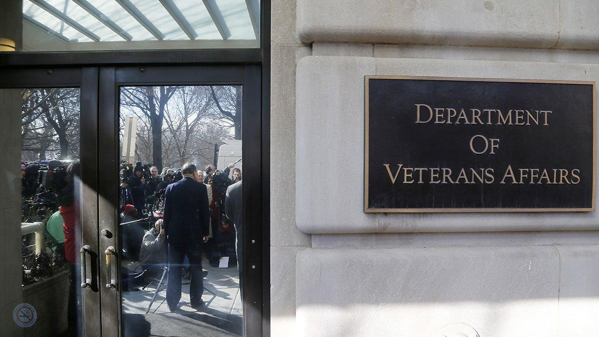 Why Thousands of Combat Vets Have to Repay Their Enlistment Bonuses