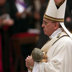 Christmas Eve Mass: Pope Urges 'Tenderness', Calls Christian Refugees In Iraq