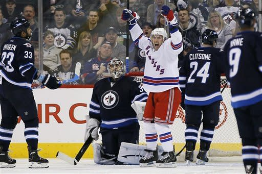 Pavelec makes 28 saves; Jets top Rangers 3-1
