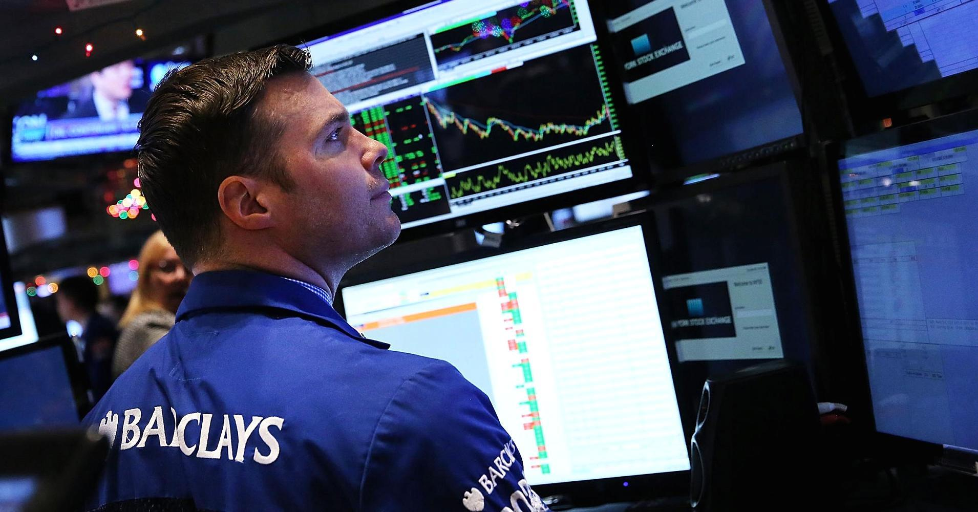 Early movers: MDT, PVH, DG, SHLD, AAPL & more