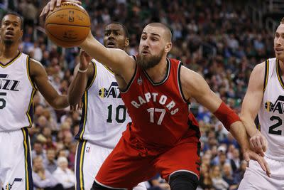 Jonas Valanciunas breaks bone in non-shooting hand, out 6 weeks