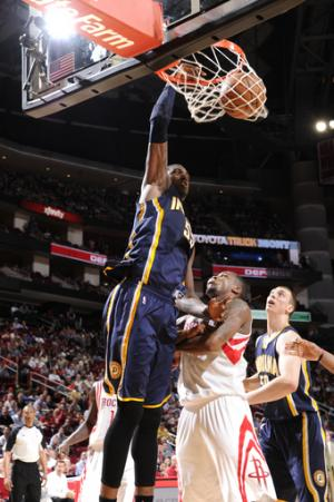 Hibbert powers Pacers to 100-91 win over Rockets