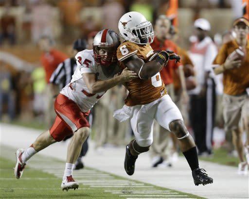 Long TDs propel No. 17 Texas over New Mexico 45-0