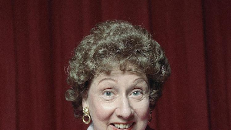 "This 1991 file photo shows Jean Stapleton in the off-Broadway musical theater piece called ""Bob Appetit."" (AP Photo)"