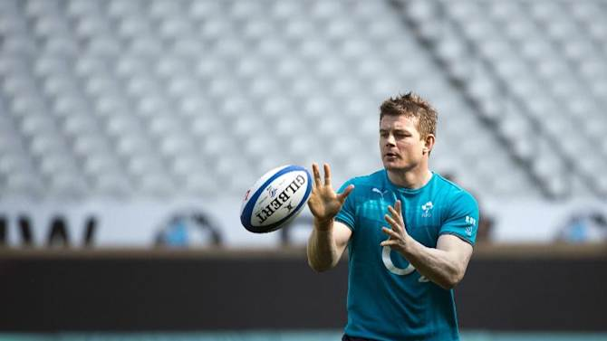Ireland's centre Brian O'Driscoll takes part in a captain's run training session at Stade de France stadium in Saint-Denis, near Paris, on March 14, 2014