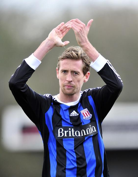 Stoke City's Striker Peter Crouch Thanks The Fans   AFP/Getty Images